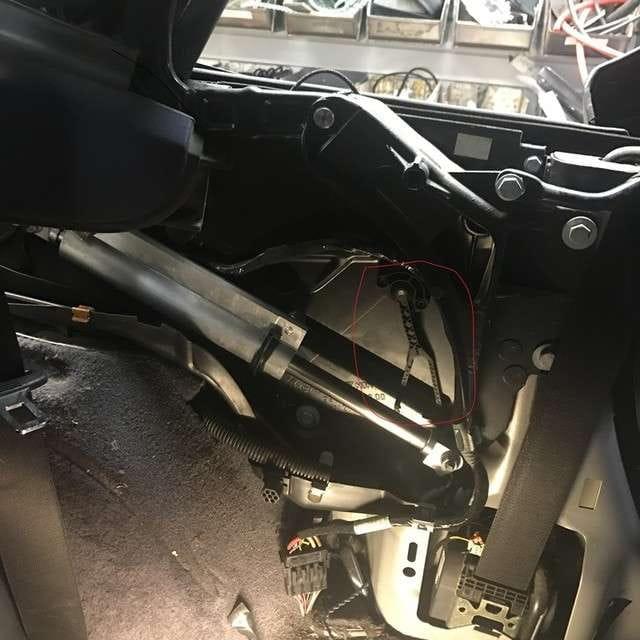 Porsche 996 Engine Number Location: Porsche 911 Carrera Convertible Top Mechanism Repair