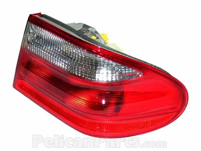 For Mercedes W210 E320 Taillight Assembly Right Inner Ulo 210 820 64 64