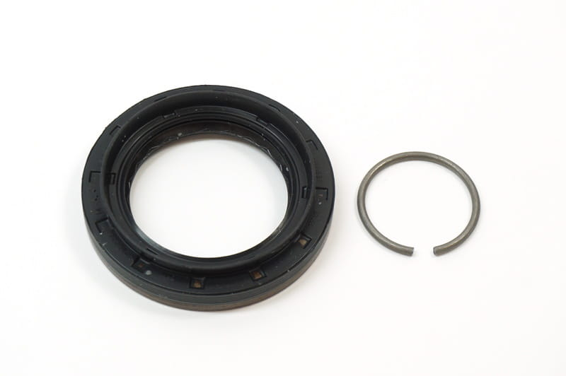 Shaft Seal with Lock Ring - Differential Output Shaft (76 X 50 X 10 mm)