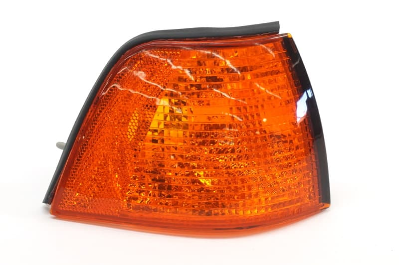 URO Parts 63 13 8 353 284 Amber Right Turn Signal