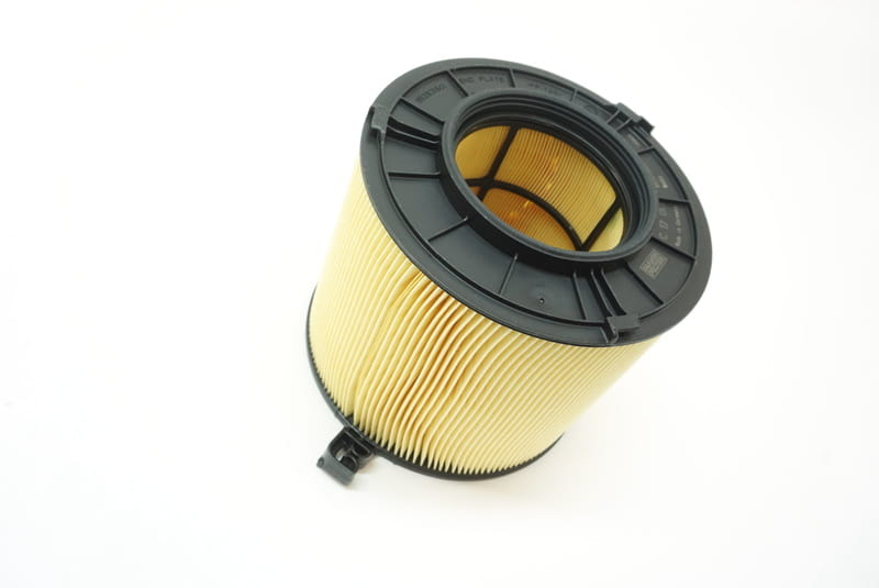 Discount Car Parts MANN-FILTER Air Filter C 23 013