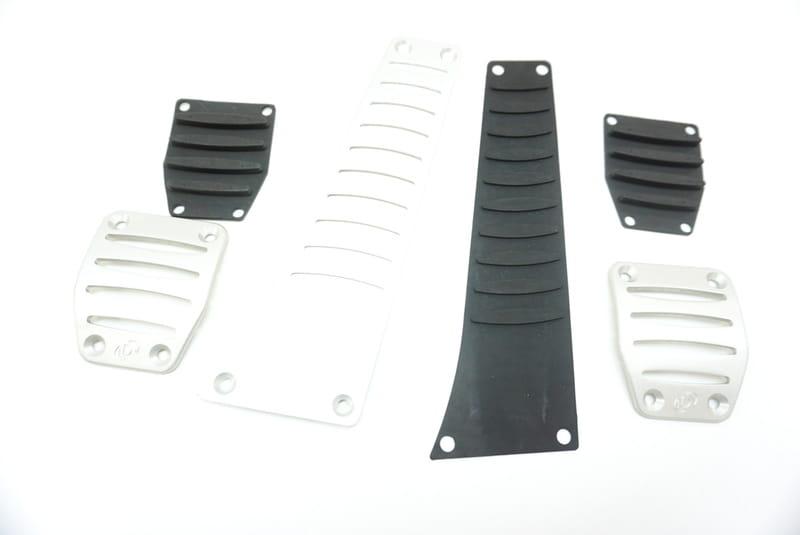 Dinan D700-0000 Aluminum Pedal Cover Set
